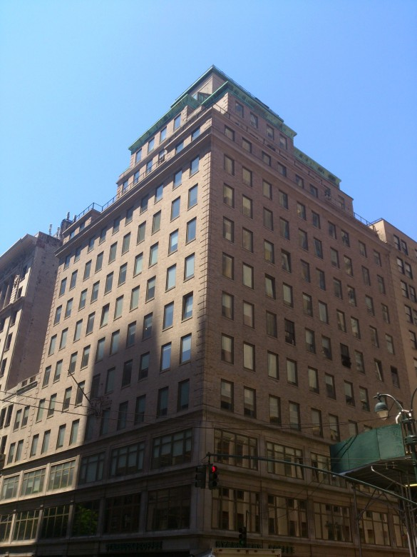 330 Fifth Avenue, The Astor Building