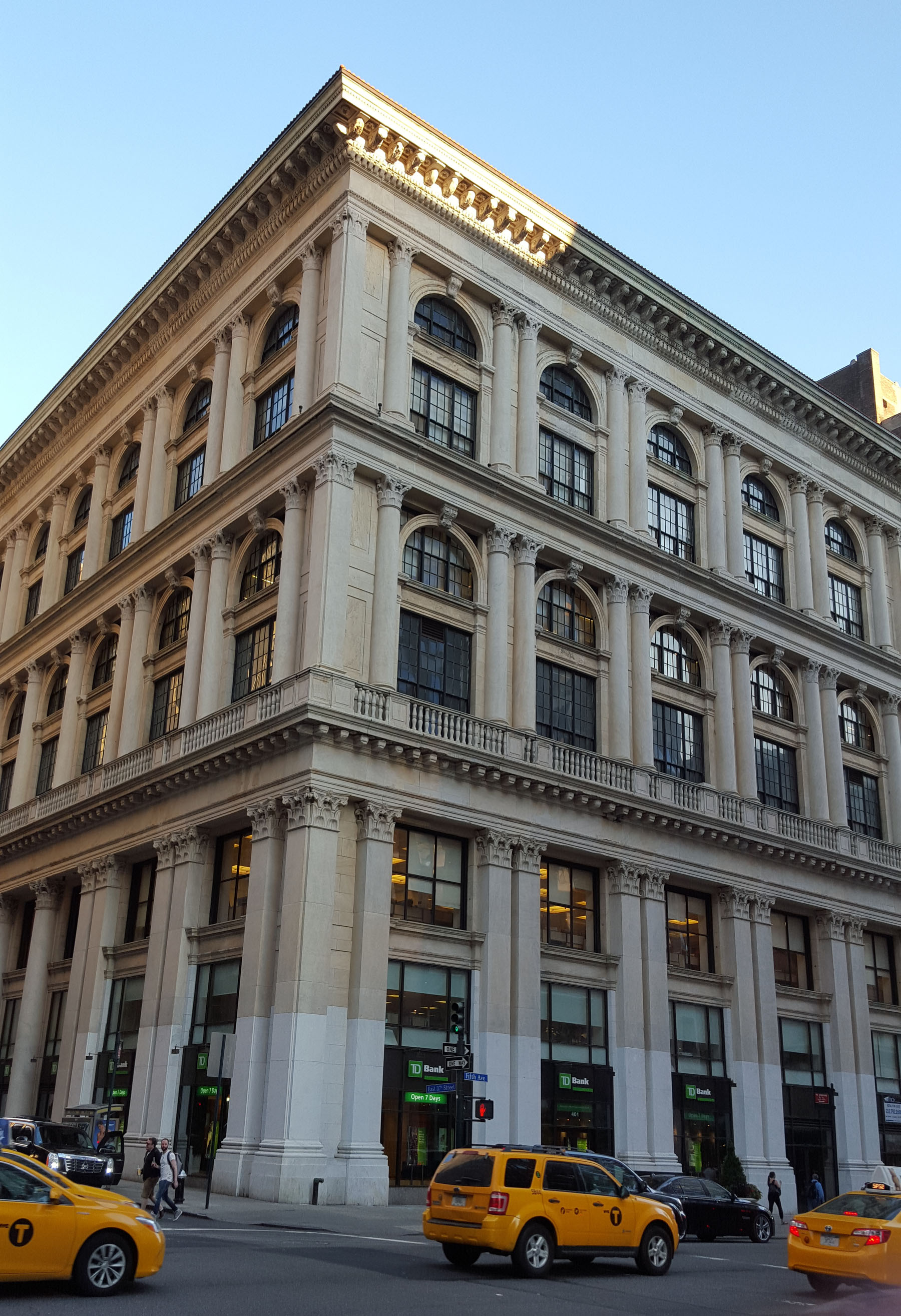 401-409 Fifth Avenue, The Tiffany's Building