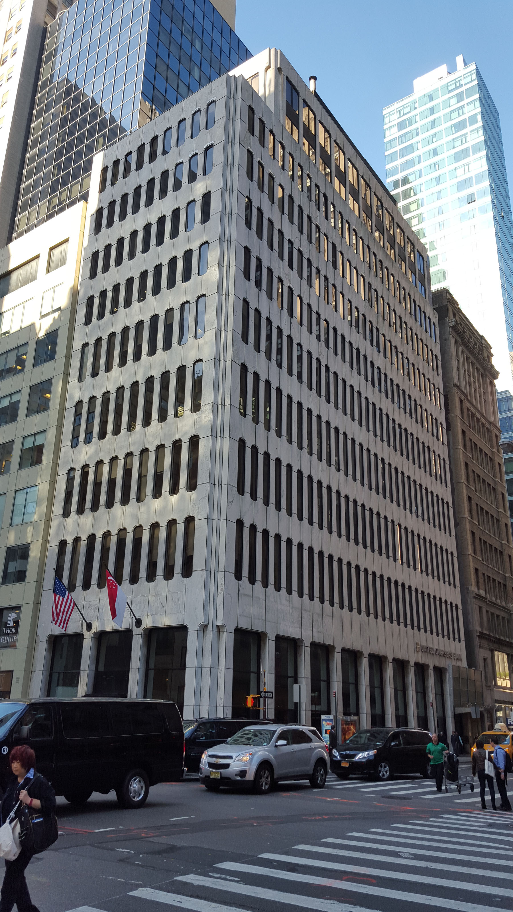 592 Fifth Avenue