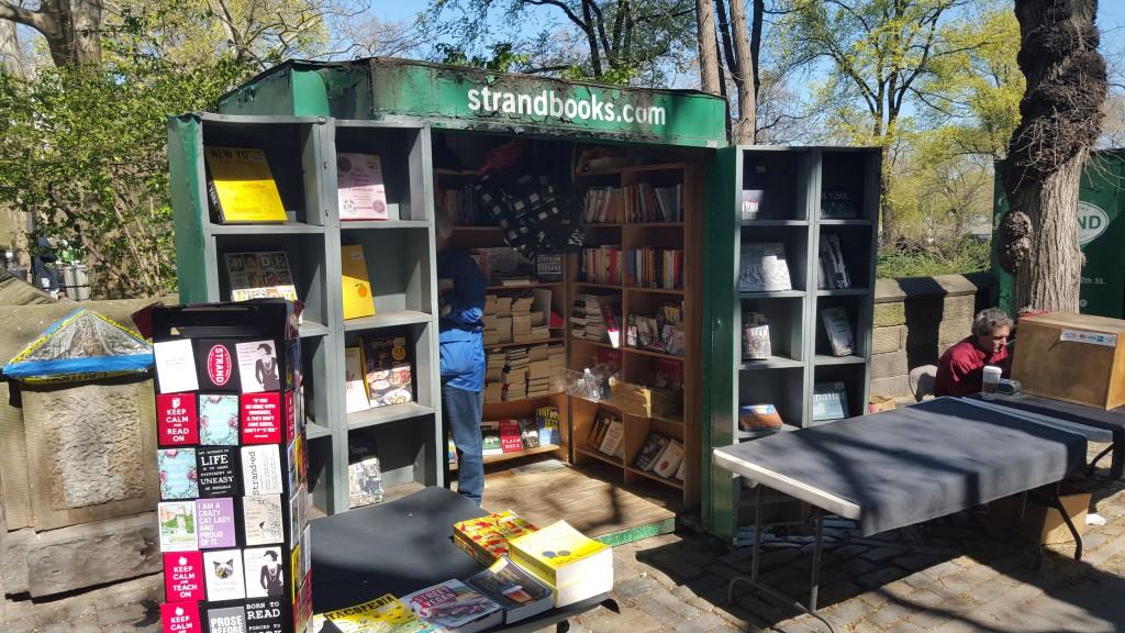 Strand Books Kiosk