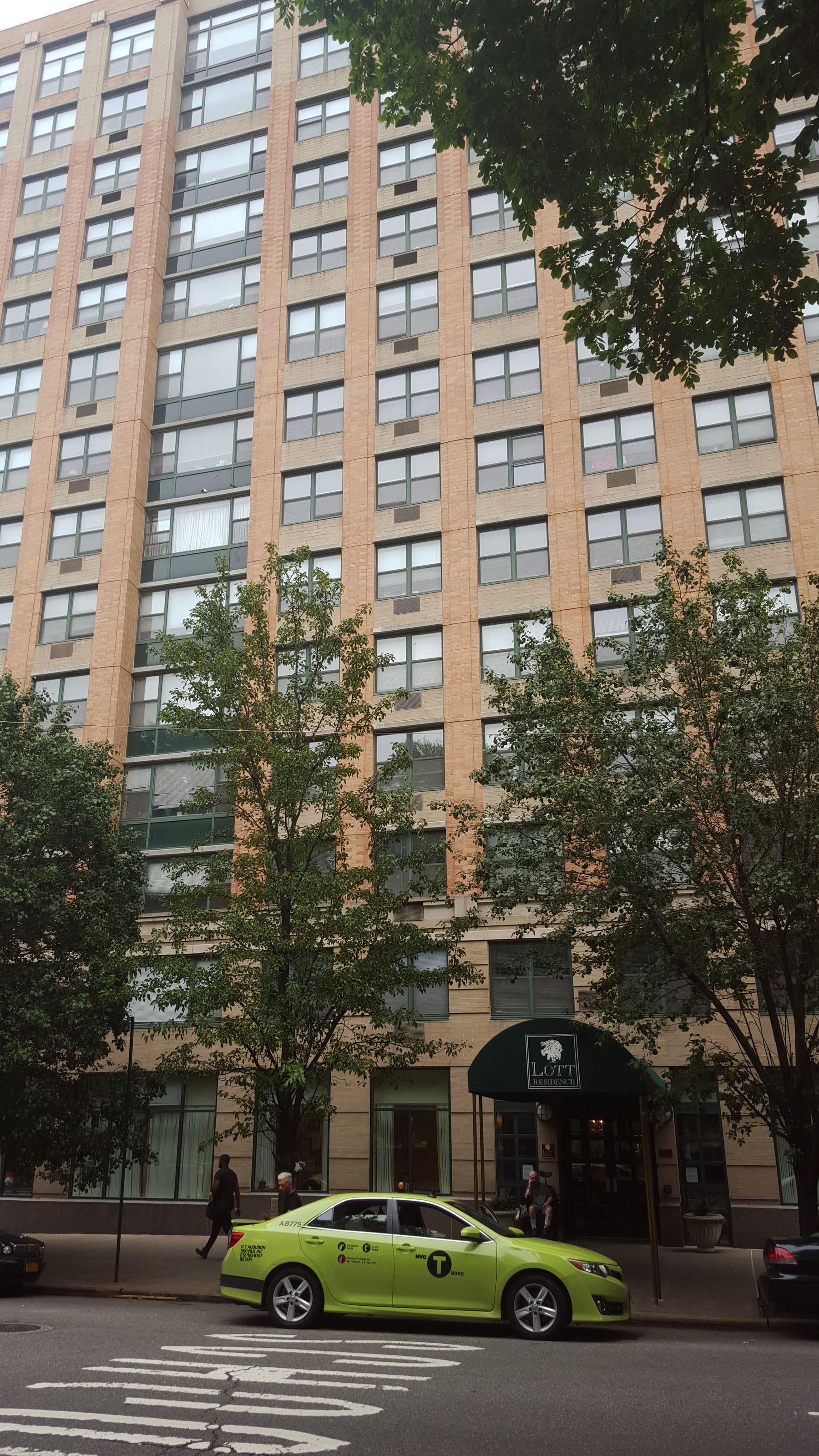 1261 Fifth Avenue