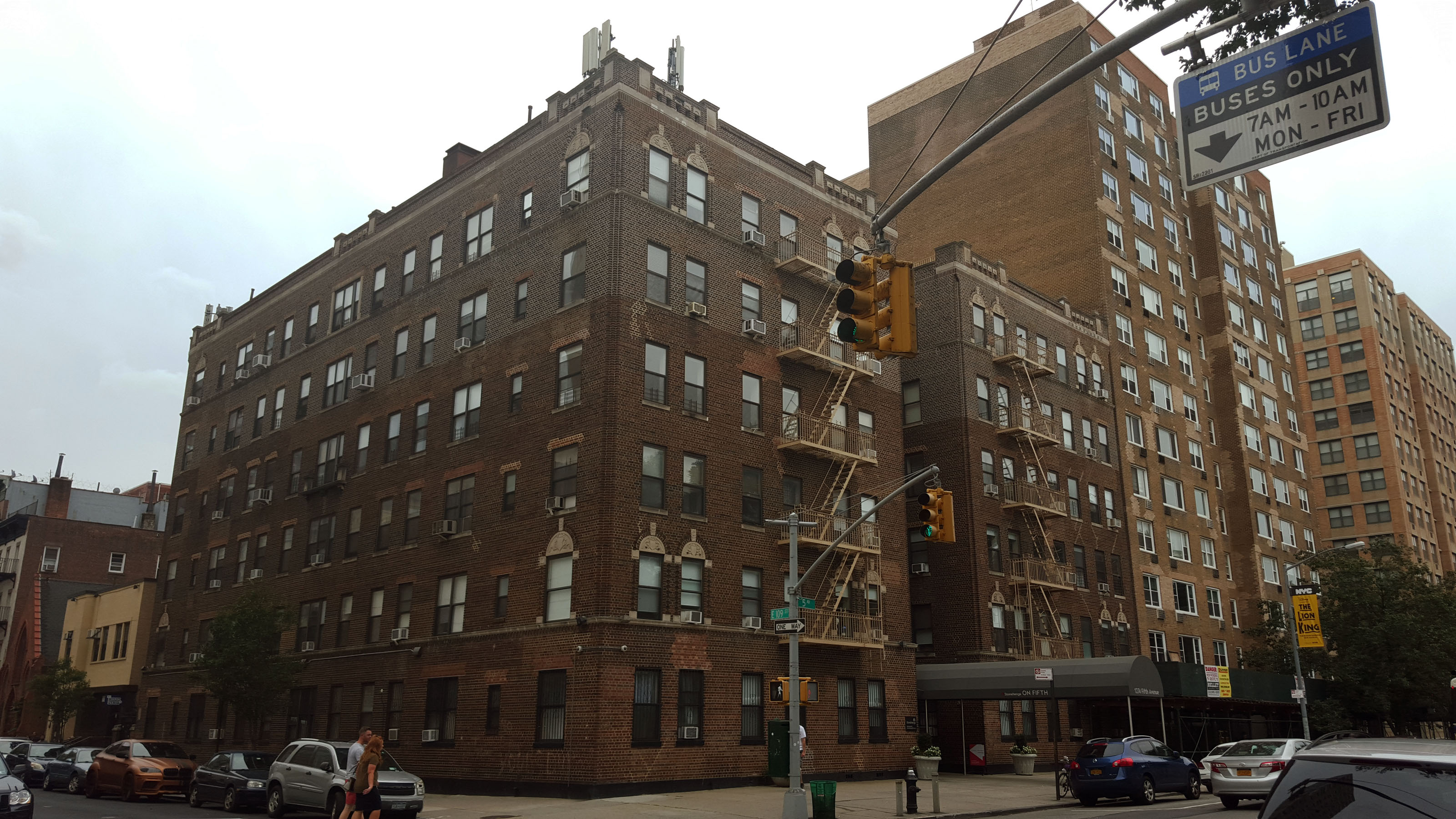 1274 Fifth Avenue